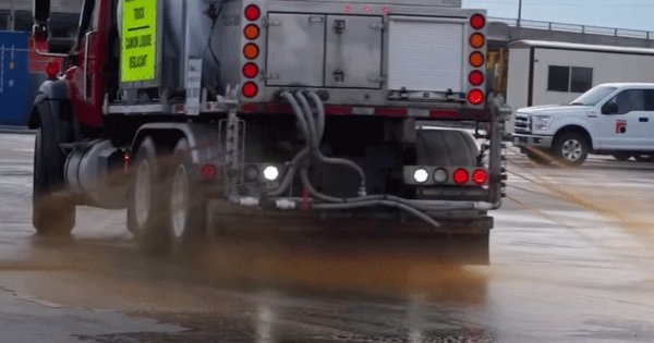 De-icing the roads with beet waste-water